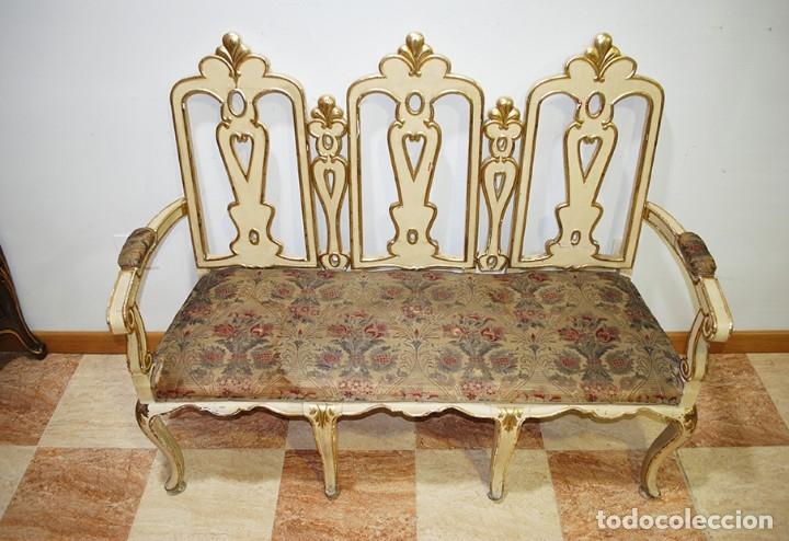 Antigüedades: ANTIGUO SOFÁ TALLADO MADERA BEIGE Y PAN DE ORO - Foto 4 - 137726878