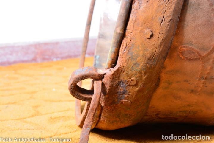 Antigüedades: Gran tamaño - Caldero o caldera de cobre con asa en hierro - Cobre cincelado y decorado - 53 cm - Foto 18 - 137751910