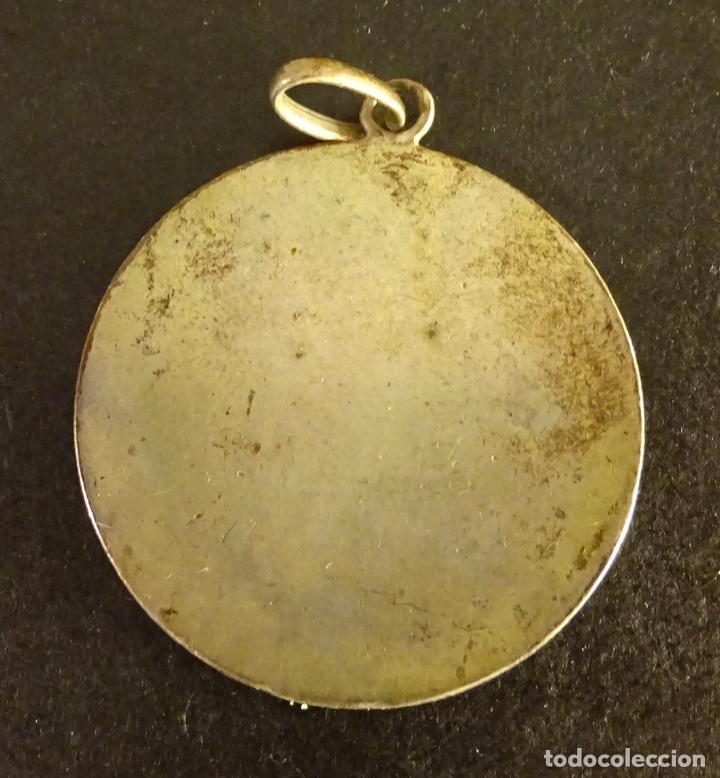 Antigüedades: MEDALLA DE SAN ANTONIO DE PADUA, ¿PLATA?. PESO 10,9 GR. DIÁMETRO 35 MM - Foto 2 - 137754270