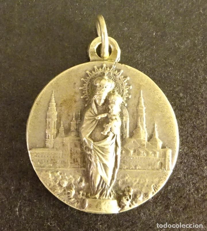 MEDALLA DE NTRA. SEÑORA DEL PILAR R. P. N., ¿PLATA?. PESO 7,4 GR. DIÁMETRO 25 MM (Antigüedades - Religiosas - Medallas Antiguas)