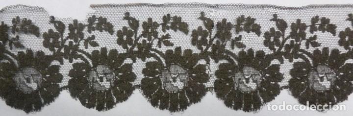ANTIGUO BAJO DE ENCAJE - S.XIX (Antigüedades - Hogar y Decoración - Tapices Antiguos)