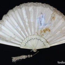 Antigüedades: MARAVILLOSO ABANICO DE HUESO, PERICÓN SEDA PINTADO A MANO, PERICÓN. PUNTO DE AGUJA, FINES S XIX. Lote 137834498