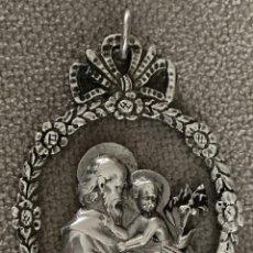Oggetti Antichi: MEDALLA DE PLATA - SAN JOSÉ CON EL NIÑO JESÚS - SIGLO XIX - TEXTO EN REVERSO. Lote 137896342