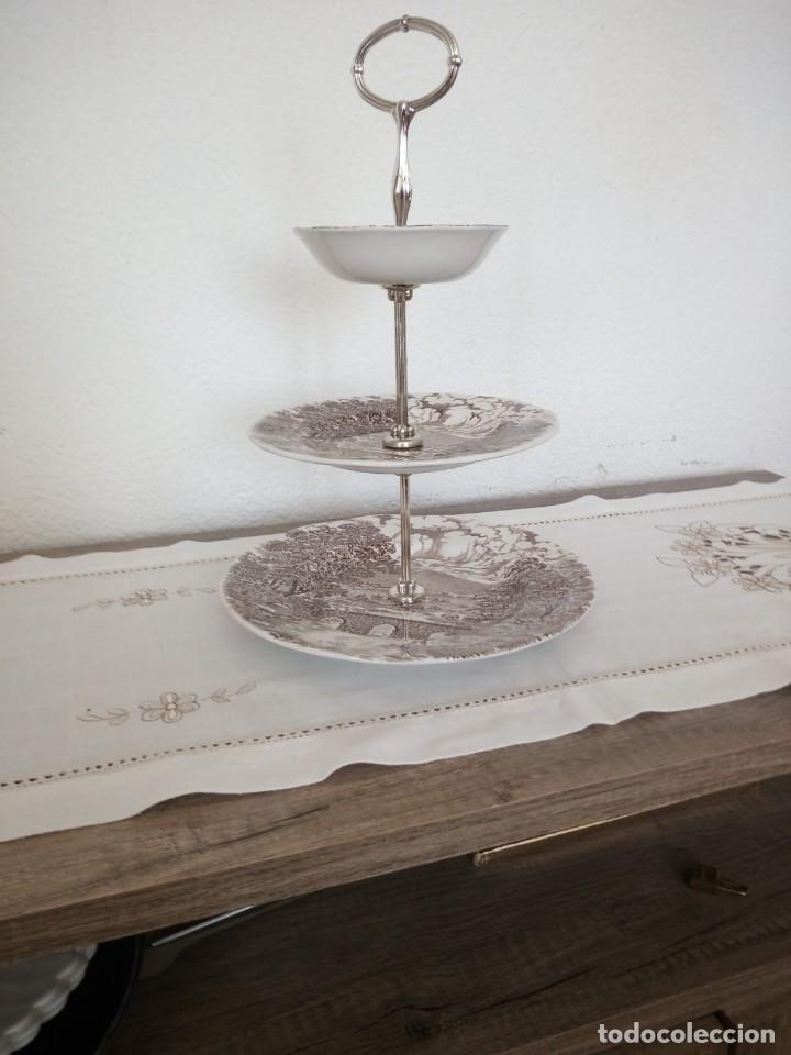 Antigüedades: Antiguo frutero de ceramica,crown ducal, bridge scenes ,made in england. 3 pisos - Foto 2 - 137902066