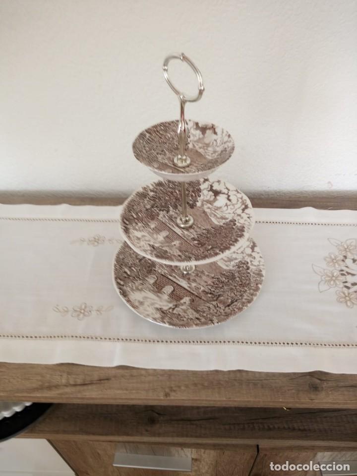 Antigüedades: Antiguo frutero de ceramica,crown ducal, bridge scenes ,made in england. 3 pisos - Foto 3 - 137902066