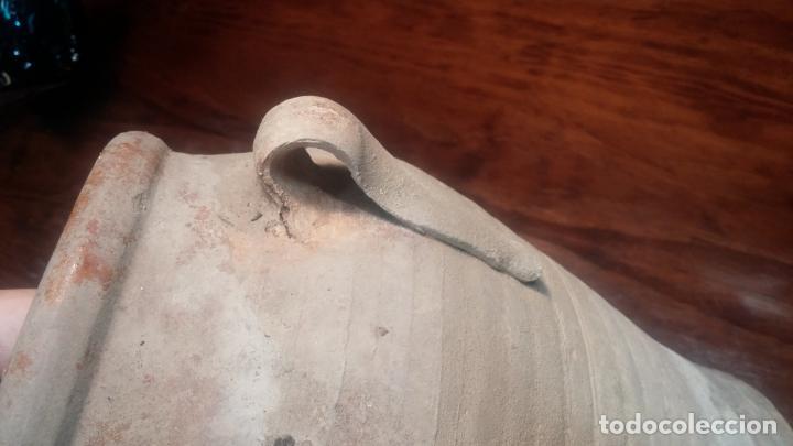 Antigüedades: Botita y Antigua orza de barro, muy linda, ideal caza rural, jardín o azotea - Foto 18 - 137911674