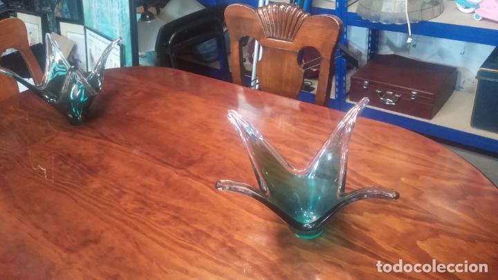 Antigüedades: Pareja centros de mesa antiguos en cristal de Murano, diferente tamaño y grosor, o volumen - Foto 2 - 137914022