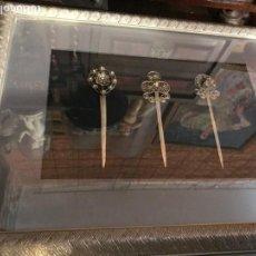Antigüedades - magnificas agujaS del pelo, plata china, enmarcadas, 3 ejemplares - 137939626