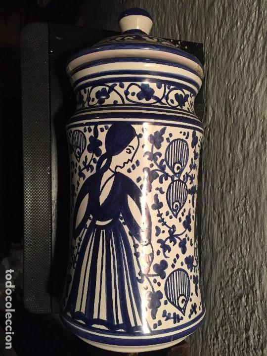 CERÁMICA DE MANISES, FIRMADA (Antigüedades - Porcelanas y Cerámicas - Manises)