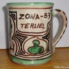 Antigüedades: (TC-126) CURIOSA TAZA JARRA CERAMICA DOMINGO PUNTER DE TERUEL PARA LA ZONA 53 MILITAR. Lote 138083506