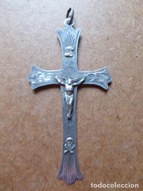 ANTIGUO CRUCIFIJO DE PLATA. 11 CM ALT - 6 CM ANCH. EL DE LA FOTO. (Antigüedades - Religiosas - Crucifijos Antiguos)