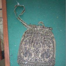 Antigüedades: MAGNIFICO ANTIGUO BOLSO DEL SIGLO XIX EN MICRO PERLAS METALICAS. Lote 172887797