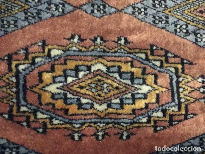Antigüedades: ALFOMBRA ORIENTAL. ESTILO BUKHARA. VISCOSA O SEDA. ORIENTE MEDIO. SIGLO XX - Foto 6 - 138165486