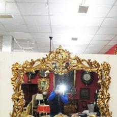 Antigüedades: ESPEJO ANTIGUO DE MADERA TALLADA Y PAN DE ORO. Lote 138172362