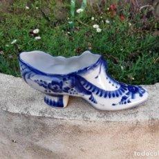 Antigüedades: ZAPATO PORCELANA RUSA GZHEL. Lote 138364362