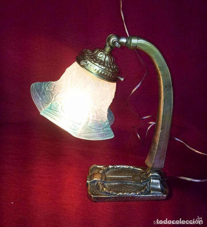 Antigüedades: LAMPARA SOBREMESA MODERNISTA DE BRONCE. - Foto 2 - 138554306