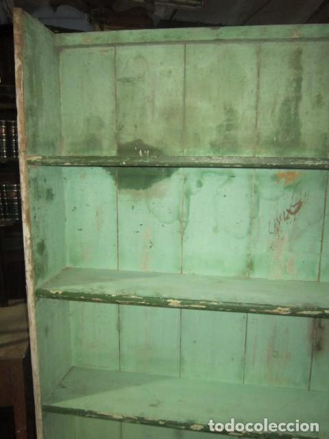 Antigüedades: Bonita estantería pintada al agua en tono verde. - Foto 2 - 138583366