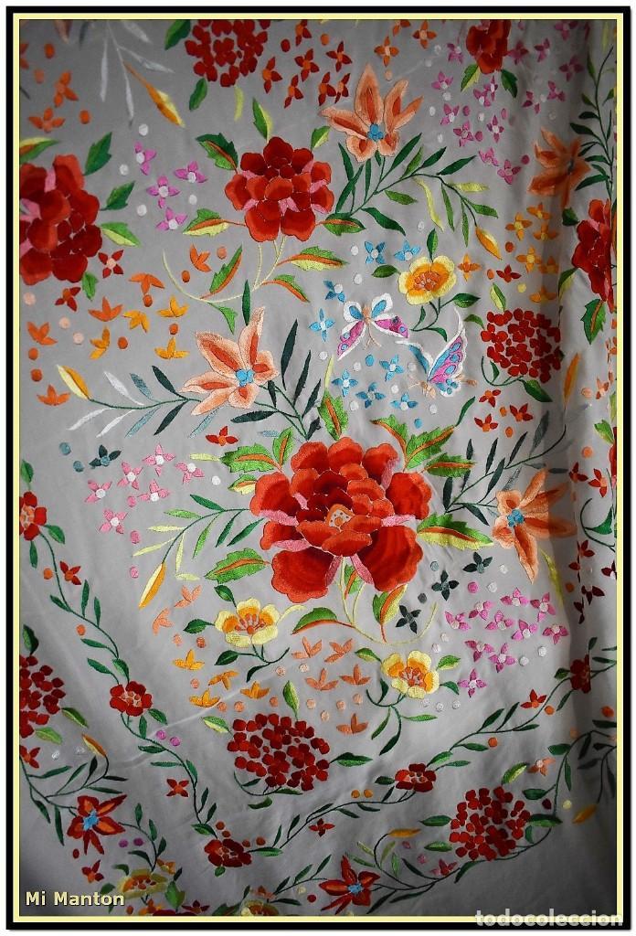 Antigüedades: Mi Manton. Maravilloso mantón de Manila muy bello colorido flores y mariposas. - Foto 3 - 138635138