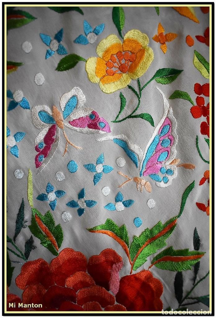 Antigüedades: Mi Manton. Maravilloso mantón de Manila muy bello colorido flores y mariposas. - Foto 5 - 138635138
