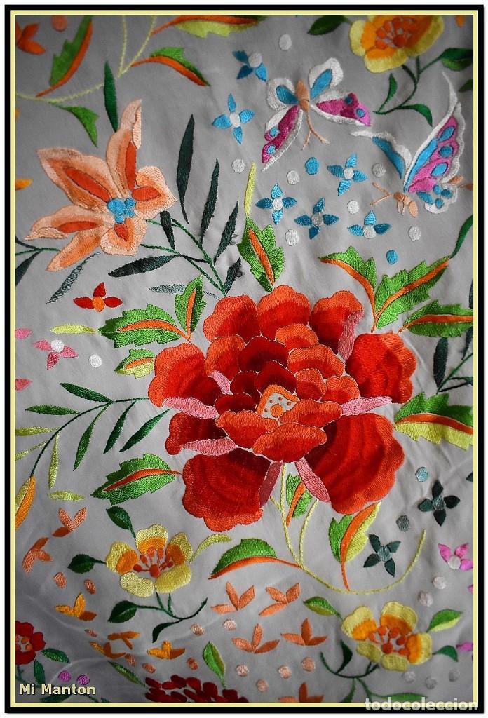 Antigüedades: Mi Manton. Maravilloso mantón de Manila muy bello colorido flores y mariposas. - Foto 8 - 138635138