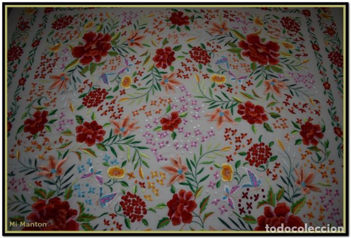 Antigüedades: Mi Manton. Maravilloso mantón de Manila muy bello colorido flores y mariposas. - Foto 11 - 138635138