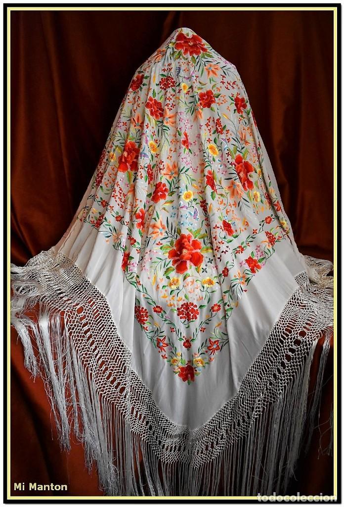 Antigüedades: Mi Manton. Maravilloso mantón de Manila muy bello colorido flores y mariposas. - Foto 13 - 138635138
