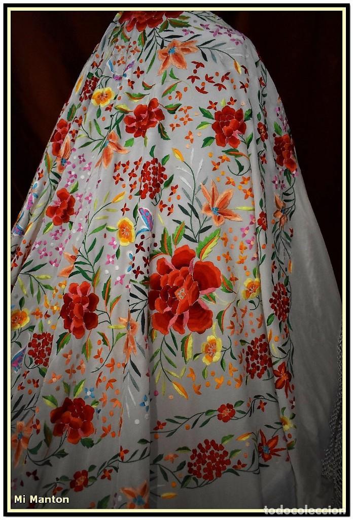 Antigüedades: Mi Manton. Maravilloso mantón de Manila muy bello colorido flores y mariposas. - Foto 14 - 138635138