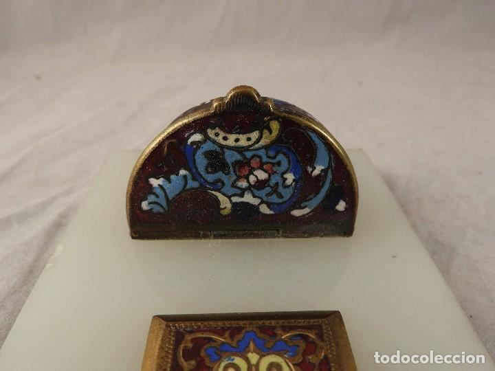 Antigüedades: BENDITERA ANTIGUA DE MARMOL Y BRONCE CLOISONNE - Foto 9 - 138648954