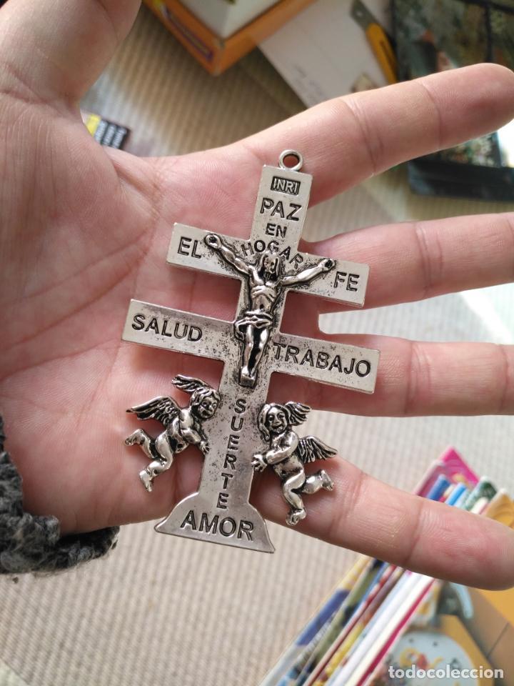 CRISTO GRAN CRUZ PECTORAL DE CARAVACA METAL PLATEADO IDEAL PECHO DE VIRGEN DE VESTIR SEMANA SANTA (Antigüedades - Religiosas - Crucifijos Antiguos)