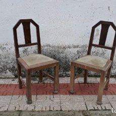 Antigüedades: PAREJA DE SILLAS ANTIGUAS DE ROBLE ESTILO ART DECÓ, SILLA ANTIGUA MODERNISTA RETRO VINTAGE. Lote 138780862