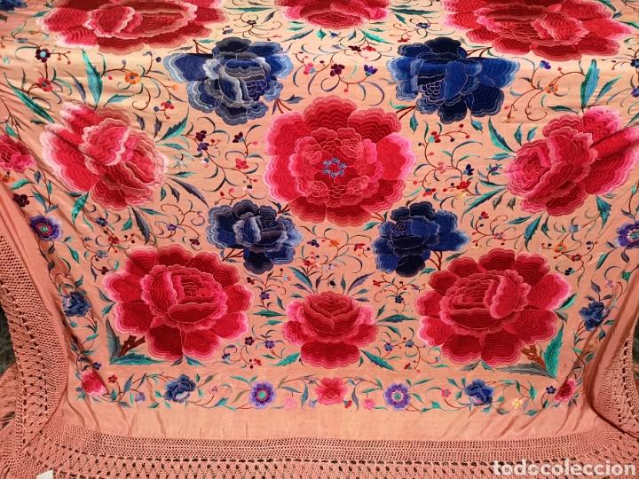 Antigüedades: Precioso mantón antiguo de peonías - Foto 5 - 115175924