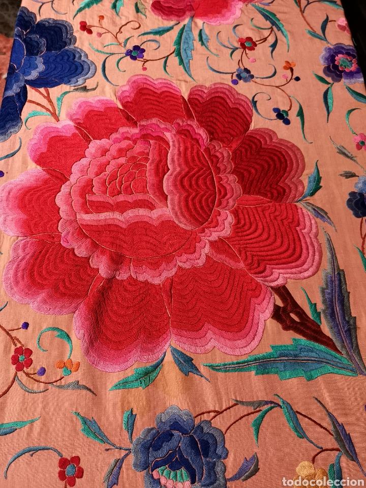 Antigüedades: Precioso mantón antiguo de peonías - Foto 7 - 115175924