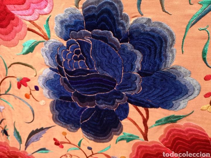 Antigüedades: Precioso mantón antiguo de peonías - Foto 8 - 115175924