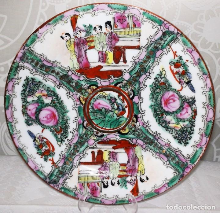 PLATO CHINO DE PORCELANA-MACAO-PINTADO A MANO 22'5 CM (Antigüedades - Porcelanas y Cerámicas - China)
