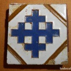 Antigüedades: ANTIGUA OLAMBRILLA - RACHOLA - TACO - AZULEJO - CRUZ DE LAS CRUZADAS - 7 X 7 CM. Lote 138907250