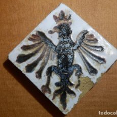 Antigüedades: ANTIGUA OLAMBRILLA - RACHOLA - TACO - AZULEJO - AGUILA - 7 X 7 CM. Lote 138907550