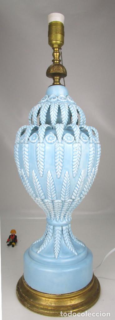 Antigüedades: BESTIAL LAMPARA VIP CERAMICA MANISES AZUL PASTEL 65CM ALTURA VINTAGE POP - Foto 5 - 138909058