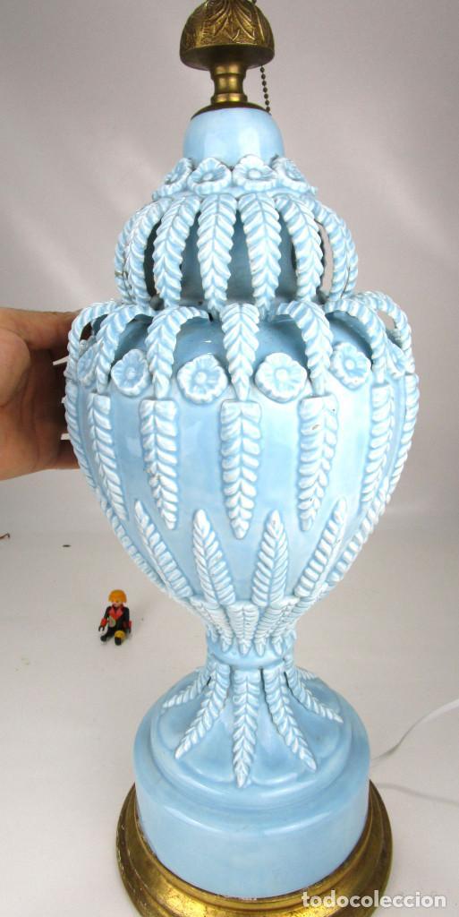 Antigüedades: BESTIAL LAMPARA VIP CERAMICA MANISES AZUL PASTEL 65CM ALTURA VINTAGE POP - Foto 6 - 138909058