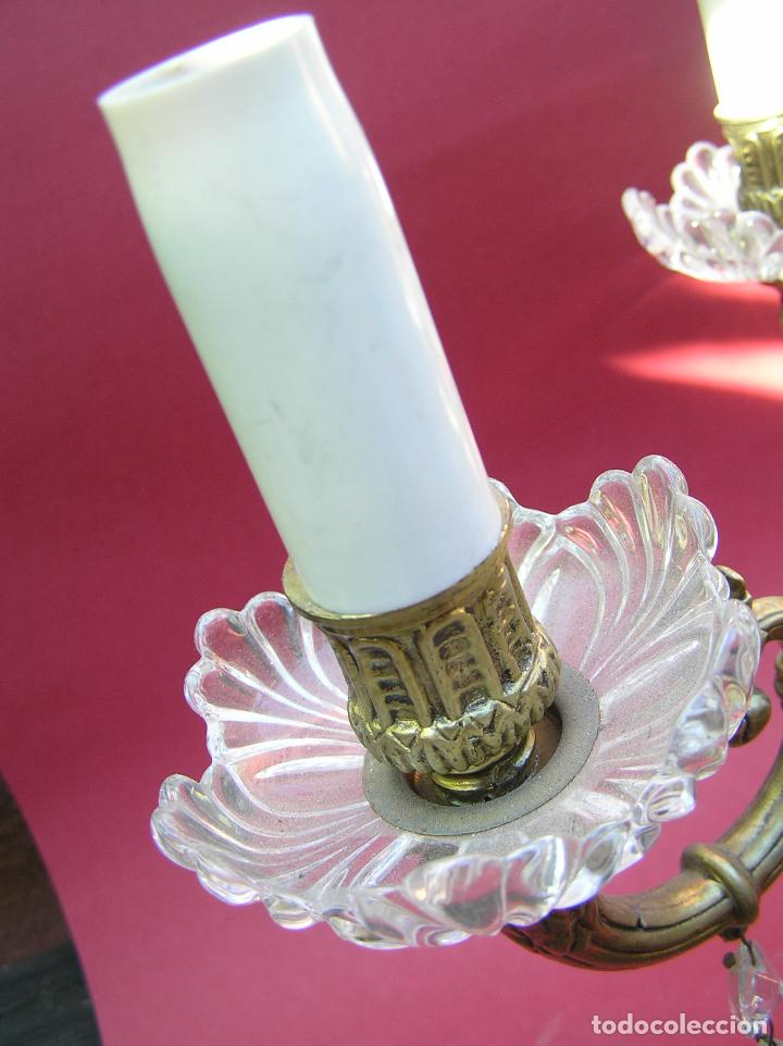 Antigüedades: CANDELABRO DE BRONCE TRES BRAZOS . Lágrimas de cristal .Electrificado y funcionando. ESPECTACULAR C - Foto 6 - 138925078