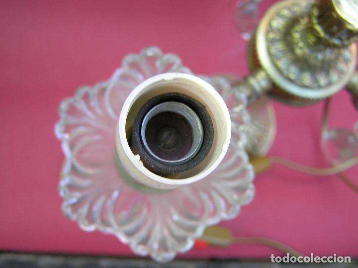 Antigüedades: CANDELABRO DE BRONCE TRES BRAZOS . Lágrimas de cristal .Electrificado y funcionando. ESPECTACULAR C - Foto 21 - 138925078