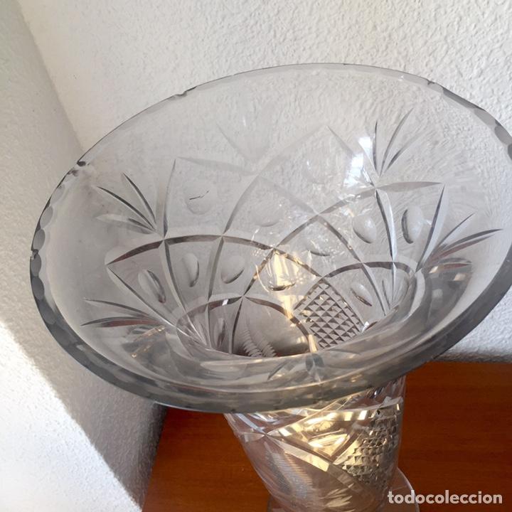 Antigüedades: Antiguo jarrón cristal de Cartagena tallado 44cm. Circa 1950 - Foto 3 - 138941181