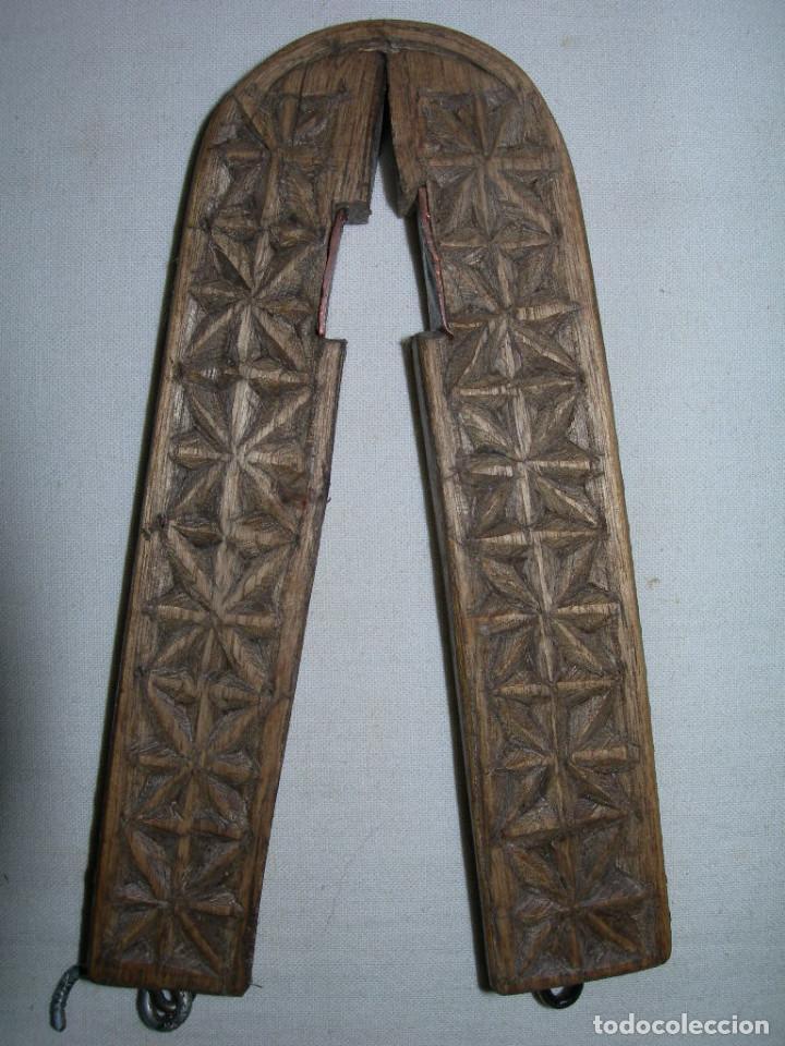Antigüedades: MUY ANTIGUO Y BONITO CASCAPIÑONES DE MADERA TALLADO A MANO - ARTE PASTORIL - CASCA PIÑONES - - Foto 3 - 138972750