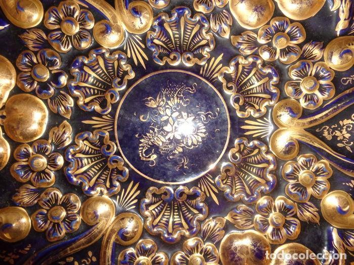 Antigüedades: Plato Azul Cobalto y Dorado - Foto 3 - 139066454