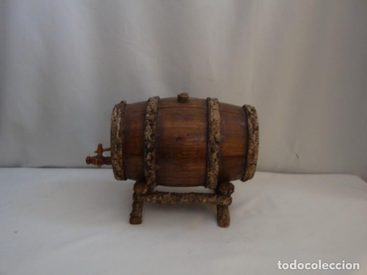 Antigüedades: PEQUENÕ BARRIL DE VINO EN MADERA CON SUPORTE - Foto 7 - 139075190
