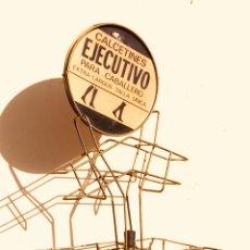 Antigüedades: EXPOSITOR DE CALCETINES DE LOS AÑOS 50. Lote 139086104