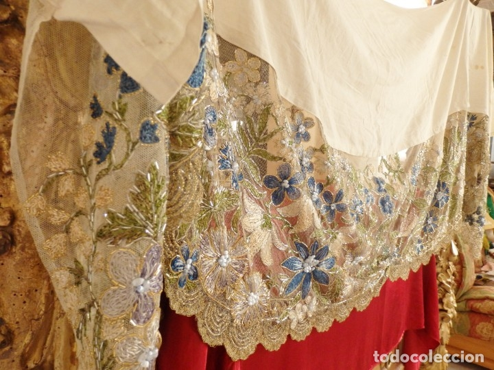 Antigüedades: Mantel-frente de altar en tul adornado con encajes de oro, sedas, etc. 234 x 92 cm. Pps. S. XX. - Foto 2 - 139121006