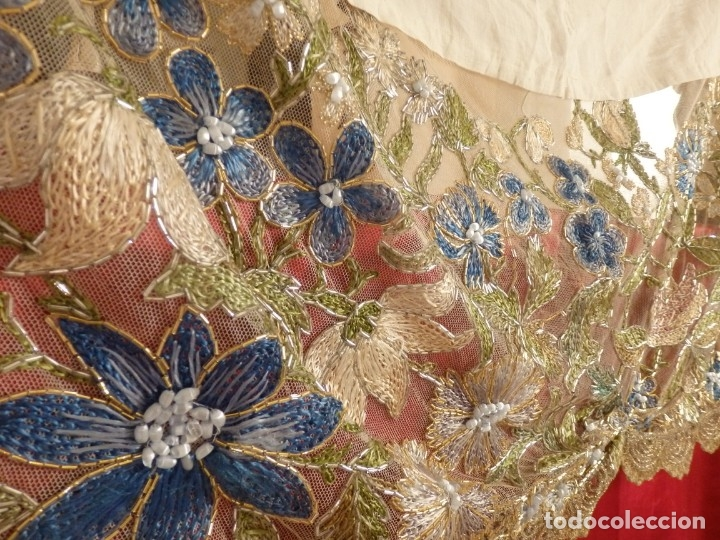 Antigüedades: Mantel-frente de altar en tul adornado con encajes de oro, sedas, etc. 234 x 92 cm. Pps. S. XX. - Foto 4 - 139121006