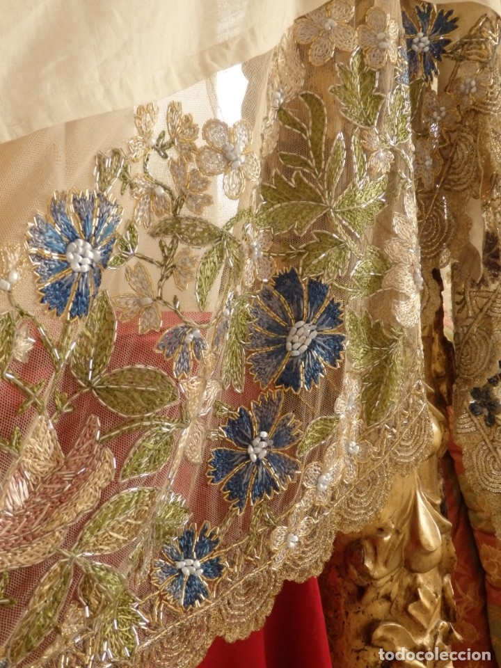 Antigüedades: Mantel-frente de altar en tul adornado con encajes de oro, sedas, etc. 234 x 92 cm. Pps. S. XX. - Foto 5 - 139121006