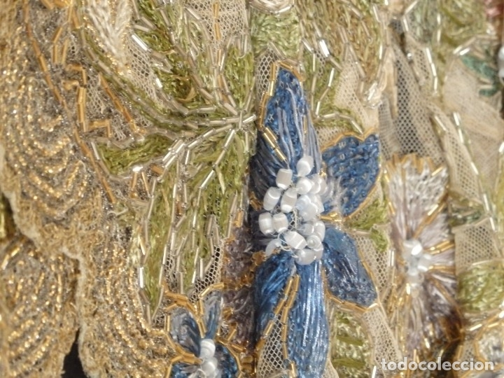 Antigüedades: Mantel-frente de altar en tul adornado con encajes de oro, sedas, etc. 234 x 92 cm. Pps. S. XX. - Foto 19 - 139121006