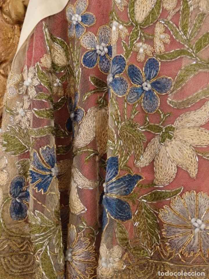 Antigüedades: Mantel-frente de altar en tul adornado con encajes de oro, sedas, etc. 234 x 92 cm. Pps. S. XX. - Foto 26 - 139121006